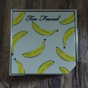 Too Faced  Tutti Frutti - It's Bananas Brightening